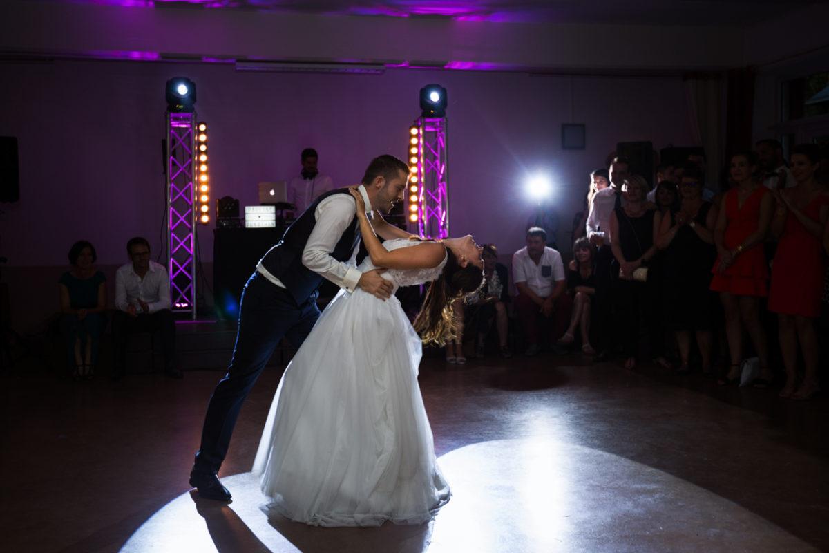Mariage_Chateau-de-La-Jousselinère_first_dance
