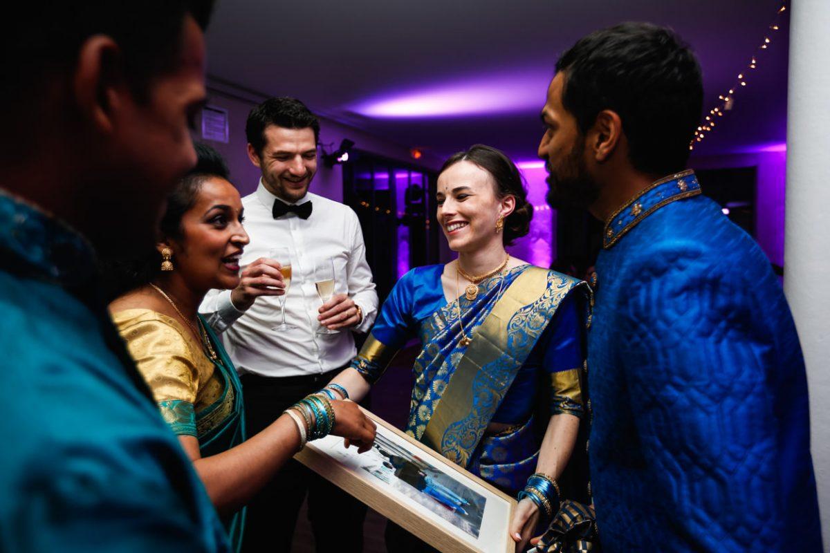 Mariage sri lankais en sari traditionnel